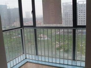 阳台护栏安装案例